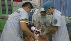 医师节 医生们在繁忙的工作中度过