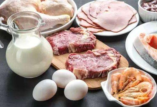 三餐都有肉蛋奶 肌肉流失慢