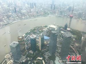 632米!中国第一高楼开放 站在云端俯瞰东方明珠(图)