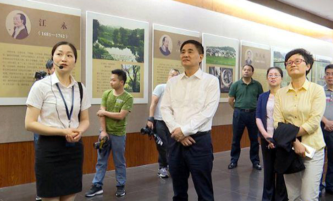 我市党政考察团继续在江西省上饶市考察学习